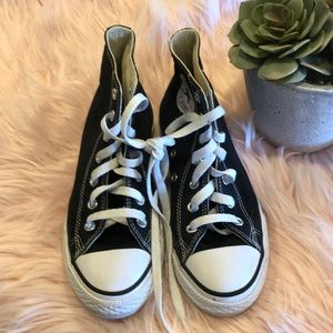 Converse size 2 black converse high tops /